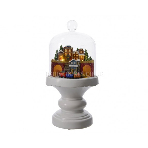 Lumineo Hand Painted Winter Scene with LED's and Motion Figure